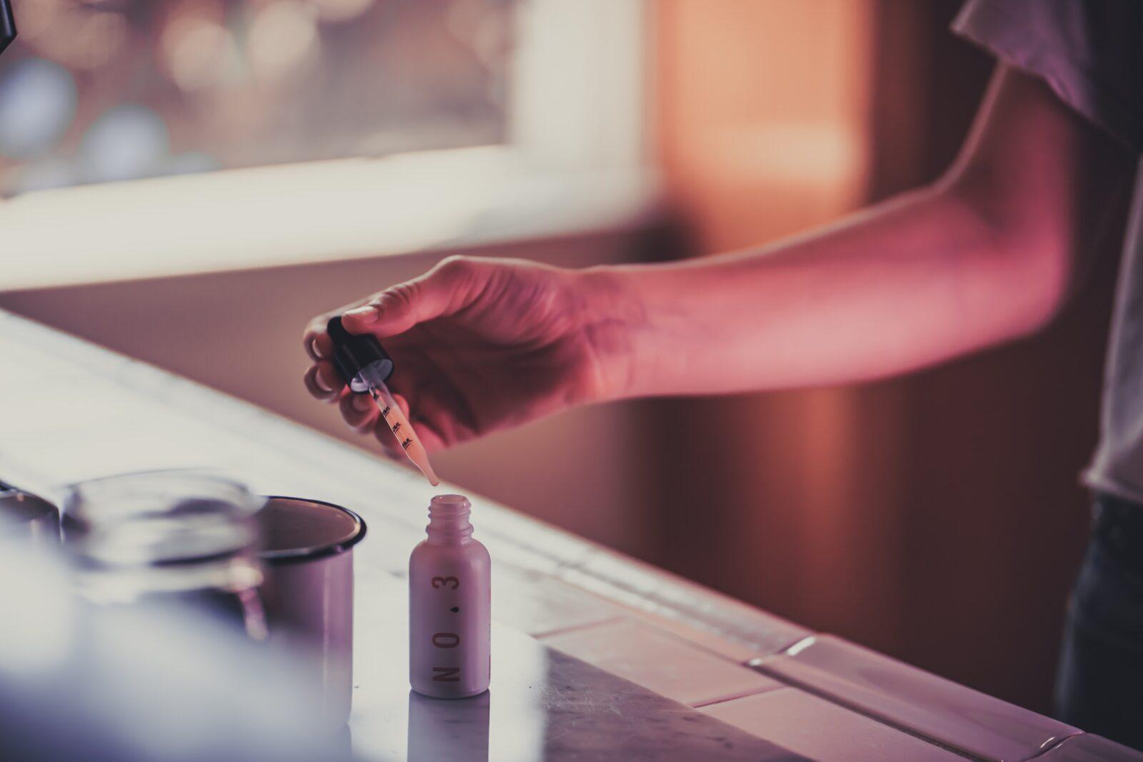 Как использовать масло КБД для снятия боли: полное руководство
